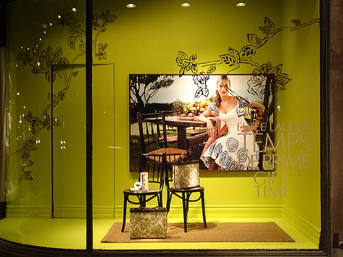 Window display set up i do windows for Retail store window display ideas
