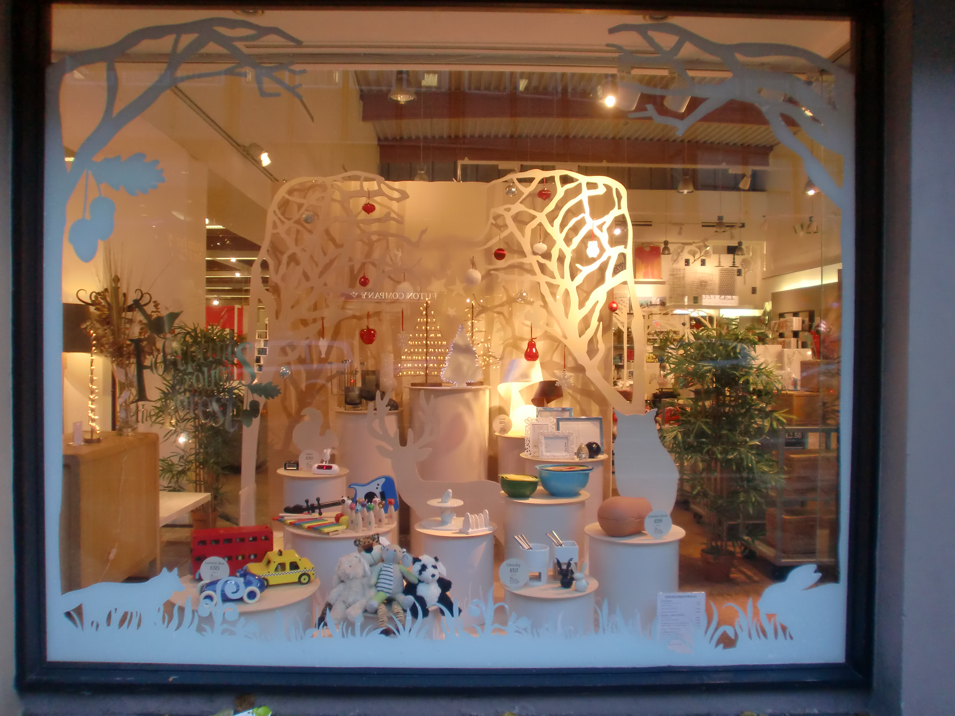 Vicky wren a visual merchandiser for habitat i do windows - Visual merchandising head office jobs ...